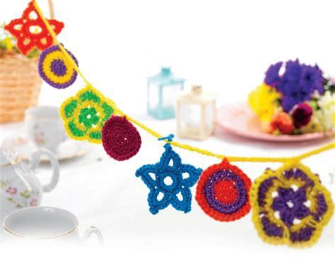 flower garden by bunting top crochet patterns crochet flower bunting