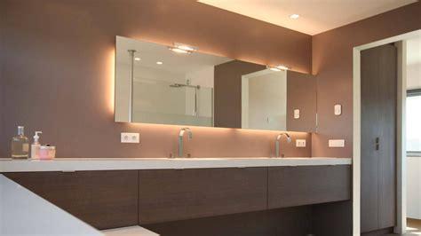 badkamermeubel verlichting badkamermeubel op maat half zwevend half op het bad