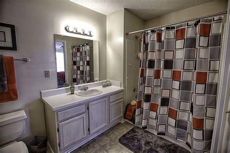 powder room birmingham 18 best images about creek apartments tuscaloosa alabama on walk in closet