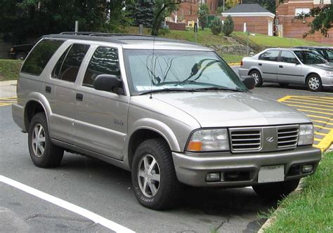 how things work cars 1999 oldsmobile bravada spare parts catalogs file 1998 01 oldsmobile bravada jpg wikimedia commons