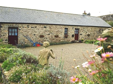 cottage nr abercastle between fishguard st davids