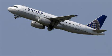united baggage international las acciones de united airlines caen 1 4 mil millones