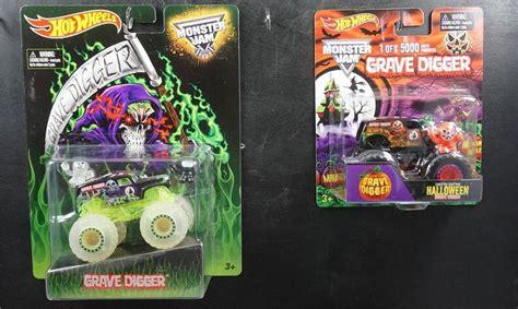 Wheels Grave Digger Jam 2 wheels lot of 2 trucks grave digger glow in the vhtf