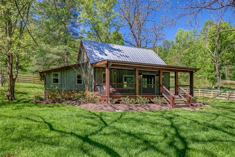 Weekend Cottage Rentals by Nest A Pretty Cabin Rental In Franklin Tennessee