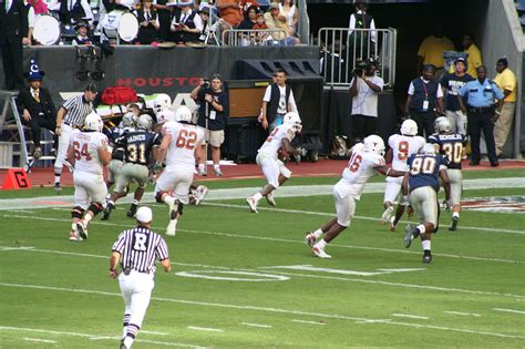 Rice Vs Ut Mba by File College Football Selvin Of The