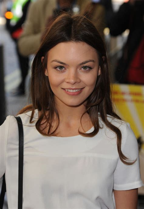 scarlett byrne quotharry potterquotstar posiert im playboy
