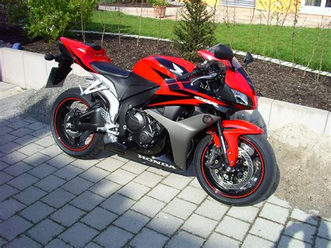 honda 600 cc cbr 1 bike pic a day