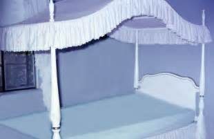 Canopy Information File Canopy Bed White Jpg Wikimedia Commons