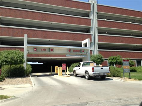 lincoln parking 14th and avery parking garage parking in lincoln parkme