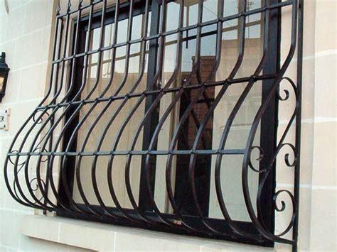 inferriate mobili per finestre oltre 25 fantastiche idee su finestre con inferriate su