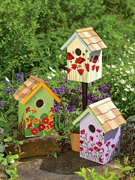 Bird House Decorating Ideas by 25 Best Ideas About Painted Birdhouses On