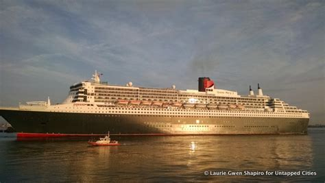 fireboat cruise cunard queen mary 2 arrives at nyc with 5 am flotilla for