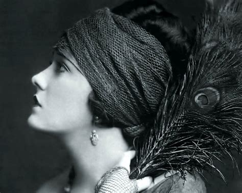 hairstyles of the stars from the 20s in the 30s 1920s hairstyles short curly bobs updos