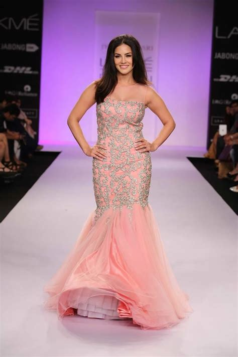 Dress Sanny Sf jyotsna tiwari at lakm 233 fashion week summer resort 2014