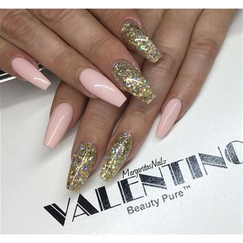 Nägel Mit Gold by Pink And Gold Glitter Coffin Nails By Margaritasnailz