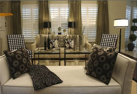 black white beige living room of decor decorate with beige sofa black white damask accent