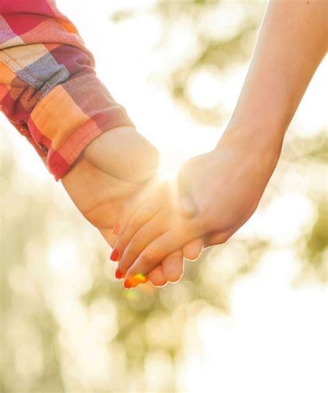 wallpaper couple hands hand in hand hd wallpaper 9147