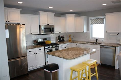Accent Color For White And Gray Kitchen by White And Grey Kitchen With Yellow Accents