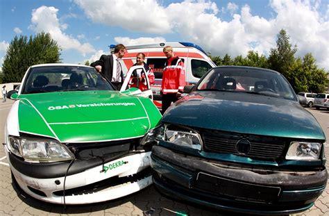 Auto Abmelden Und Mit Neuer Versicherung Anmelden by Neue Rabattstaffel H 246 Here Beitr 228 Ge Beim Kfz
