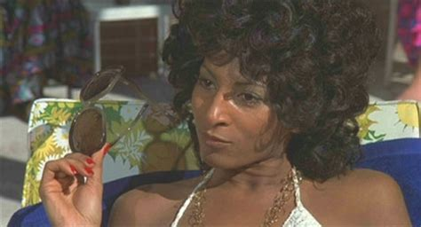 Pam Versus Is It A Of A Pot Calling The Kettle Black by Review Coffy Uk Dvd R2 Dvdactive