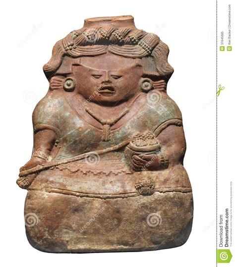 imagenes figuras mayas figura maya antigua de la arcilla aislada imagen de