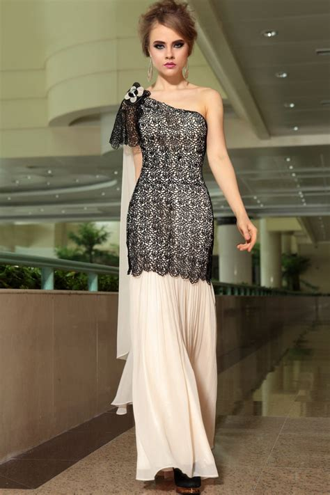 Dress Is In Now What by What Prom Dresses Are In Style To Wear Now 2018