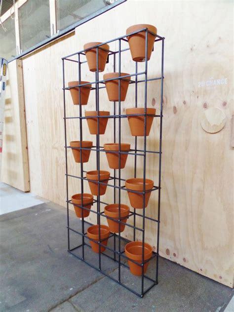 Terracotta Pot Vertical Garden 25 Best Ideas About Indoor Vertical Gardens On