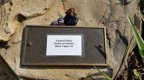 leonard nimoy found a gravefound a grave