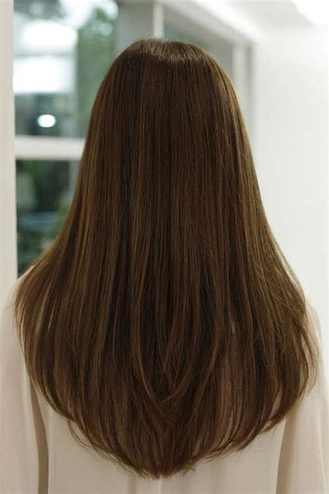 hair cut with a defined point in the back 25 best ideas about long straight haircuts on pinterest