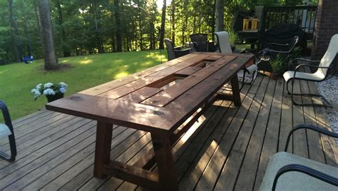 outdoor dining table for 10 diy 10 outdoor cedar dining table socialreviewed