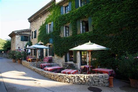 Treille Muscate by Restaurant La Treille Muscate 224 Cliousclat