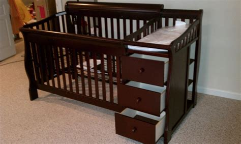Changing Table Crib Combo Ba Relax Nursery Crib And Changing Table Dresser Sets 12 For Changing Table Dresser Combo