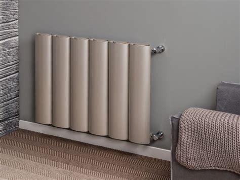 termo arredo termoarredo ad acqua calda verticale in alluminio a parete