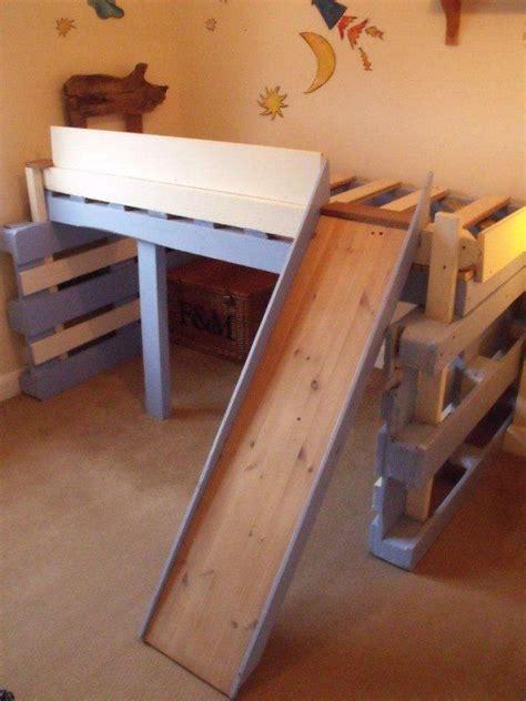 pallet toddler bed best 25 kids pallet bed ideas on pinterest pallet beds