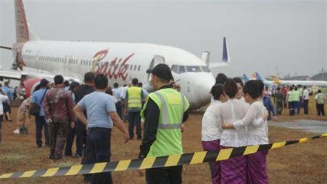 batik air jakarta jambi roda patah moncong pesawat di tanah penumpang melompat
