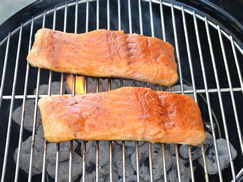 how to cook smoked salmon on a gas grill how to