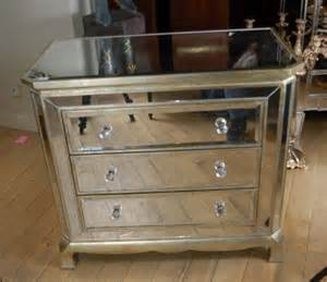returning to 1980 retro with deco mirrored furniture