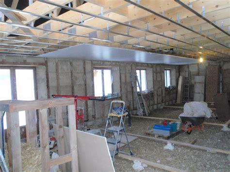 dalle de plafond isolation phonique