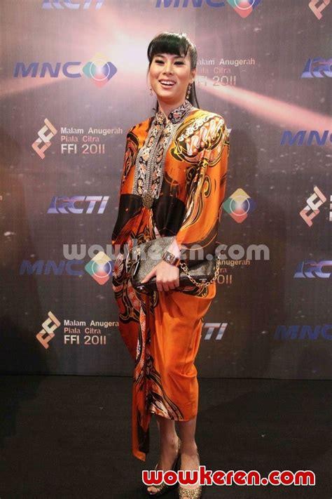 foto anugrah piala citra ffi 2011 foto 10 dari 23 foto anya dwinov di red carpet festival film indonesia