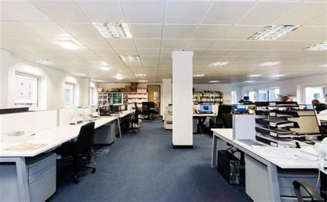 gyms hiring front desk near me large office available in canary warf desks near me