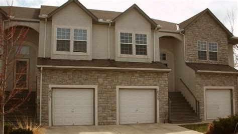 Apartment With Garage Kansas City Ridge Townhomes Rentals Kansas City Ks