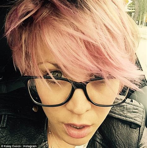 what color does kaley cuocao use in her hair kaley cuoco dyes her locks again as she gushes about her