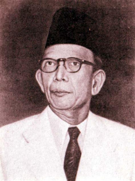 Malaka Sebuah Biografi Lengkap lsmkomporsmi dpp lsm kompor indonesia laman 7