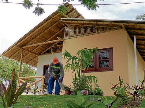 casa de la cana inauguran casa modelo hecha con ca 241 a guadua el diario