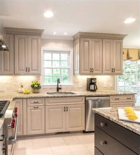 Taupe Kitchen Cabinets by The 25 Best Taupe Kitchen Ideas On Grey