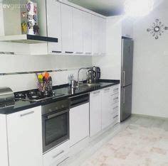 pin beyaz modern mutfak tezgah tasarimi on pinterest beyaz country mutfak modelleri dolap kapak zemin ve tezgah