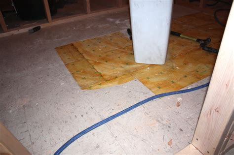 plywood for bathroom tiling a bathroom floor on plywood 28 images subfloor repairs for sheet vinyl or