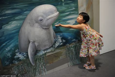 3d paintings acting the part visitors the focal point in new