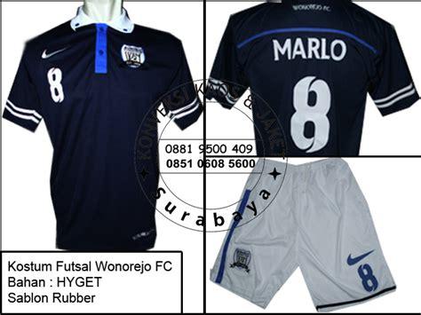 Kaos Futsal Desain Sendiri pesan kostum futsal desain sendiri jual kostum futsal surabaya