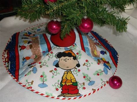 snoopy charlie brown peanuts christmas tree skirt mini new